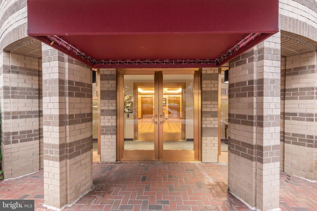 Secure entry + camera monitoring - 1401 17TH ST NW #604, WASHINGTON