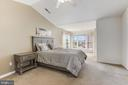 Spacious Master Suite! - 45827 COLONNADE TER, STERLING