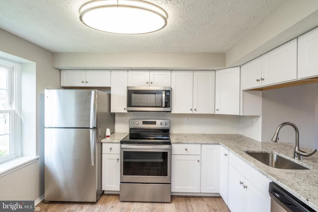 Newly Renovated Kitchen - 3654 CASTLE TER #111-125, SILVER SPRING