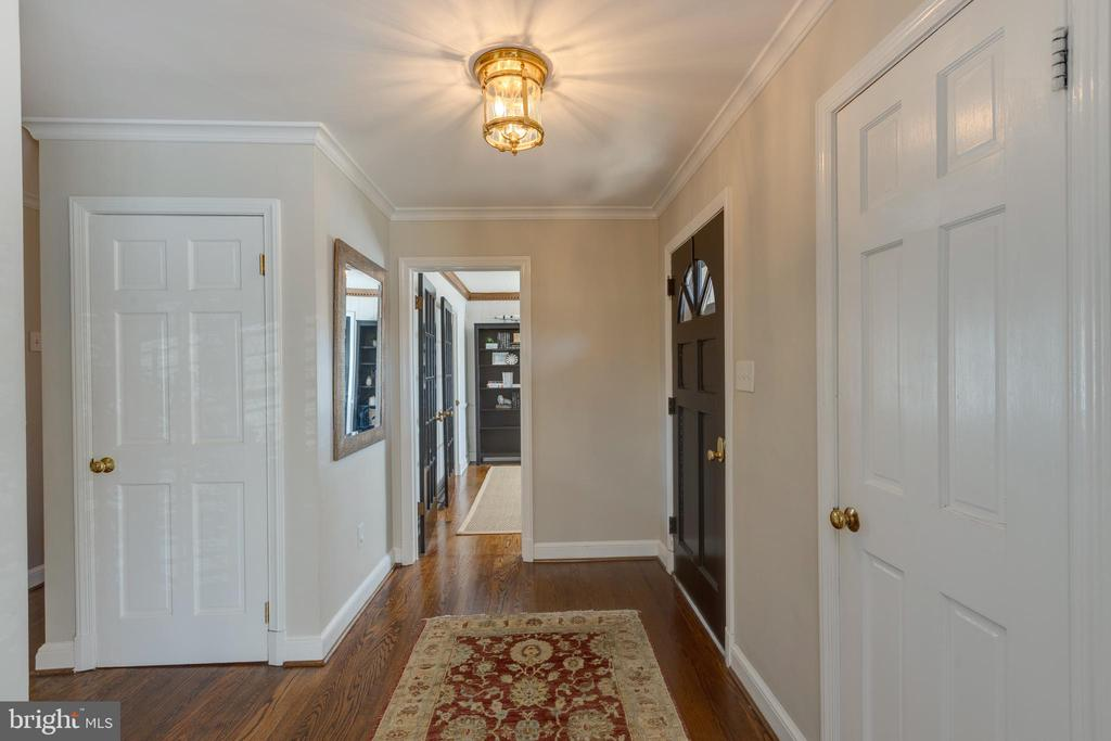 Front hall view looking to den/office - 4635 35TH ST N, ARLINGTON