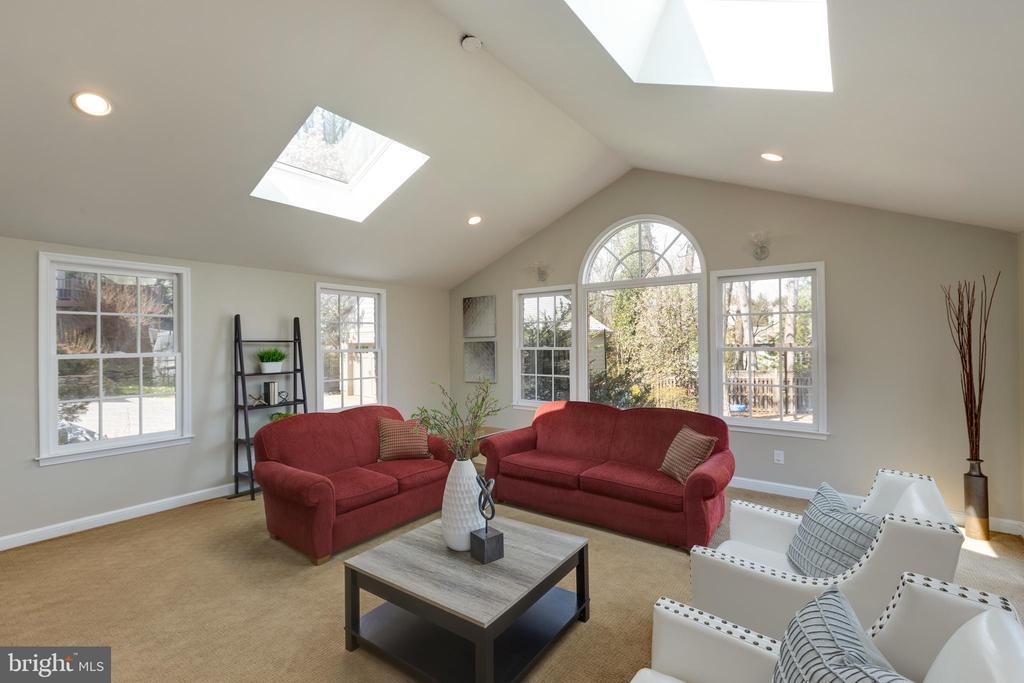 Family room addition - 4635 35TH ST N, ARLINGTON