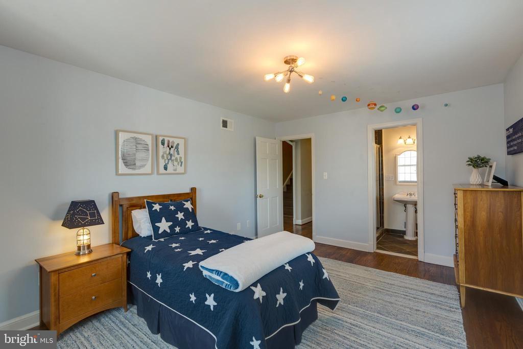 Main level bedroom #1 - 4635 35TH ST N, ARLINGTON