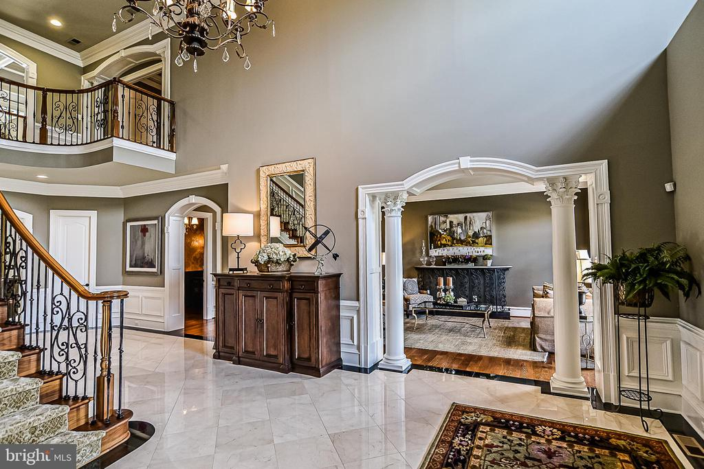 Exquisite Architectural Details - 2555 VALE RIDGE CT, OAKTON