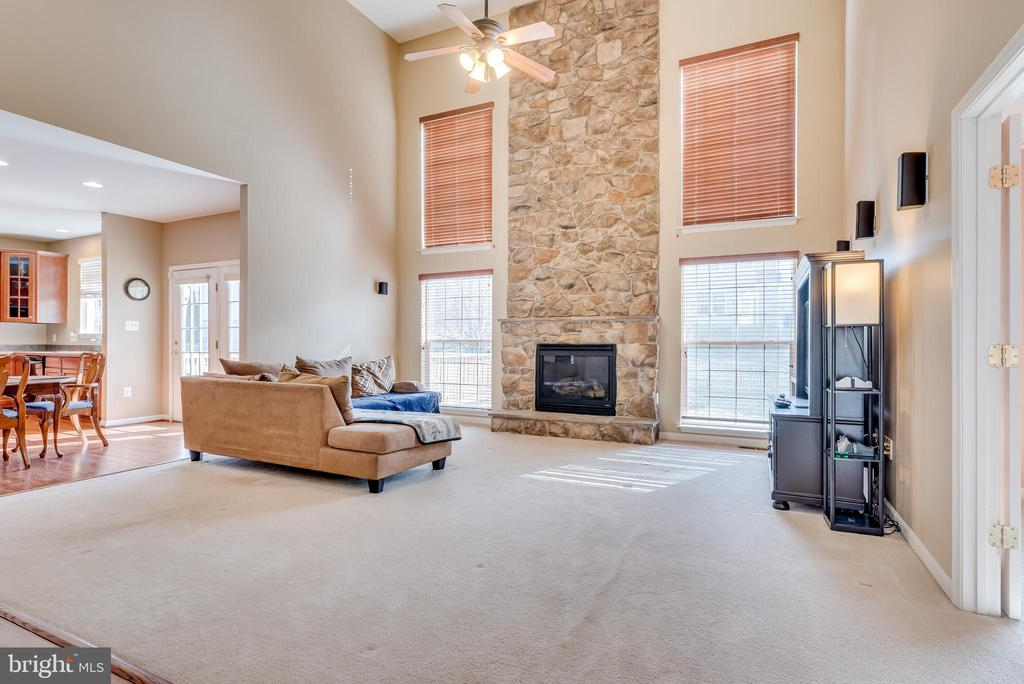 Great Room with 2 Story Fireplace - 509 RUBENS CIR, MARTINSBURG
