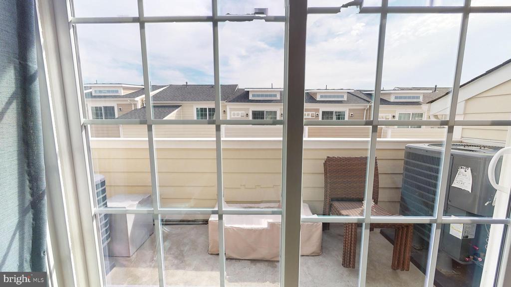 Balcony off 4th level bedroom - 416 HAUPT SQ SE, LEESBURG