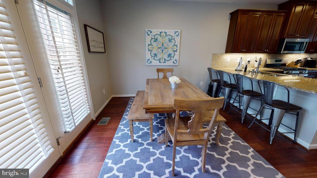 Entertainment-ready layout - 416 HAUPT SQ SE, LEESBURG