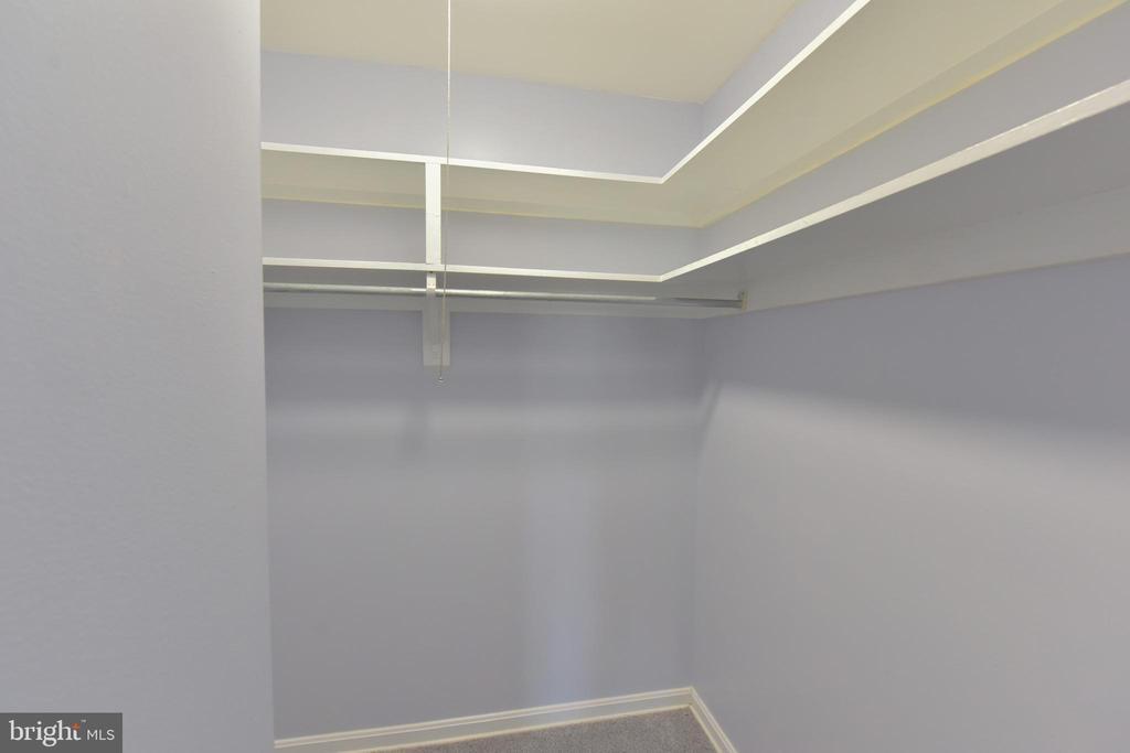 Walk in Closet - 5201 DUKE ST #303, ALEXANDRIA