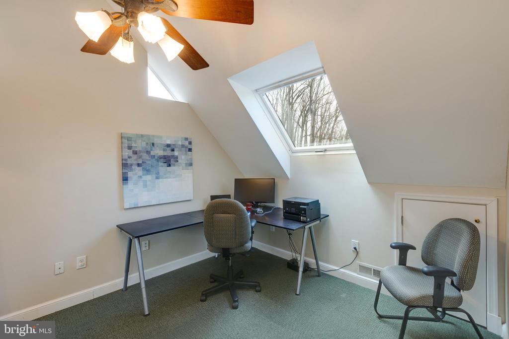 Sitting room off master bedroom - 4635 35TH ST N, ARLINGTON