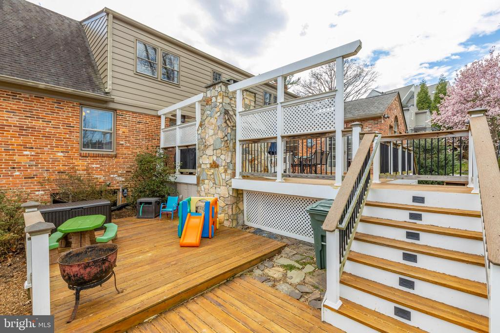 Lower level of deck - 4635 35TH ST N, ARLINGTON