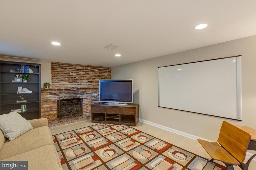 Lower level game room - 4635 35TH ST N, ARLINGTON