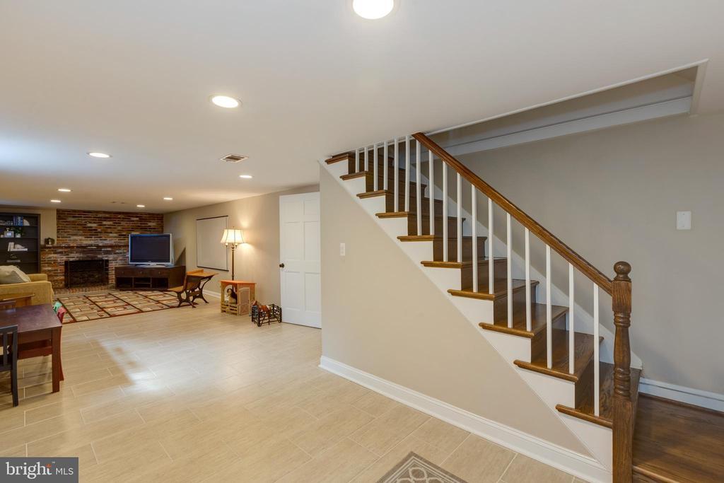 Lower level - 4635 35TH ST N, ARLINGTON