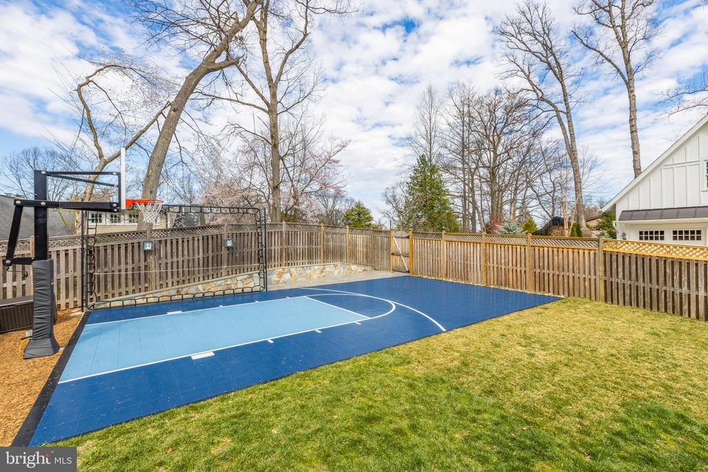 Sport court - 4635 35TH ST N, ARLINGTON