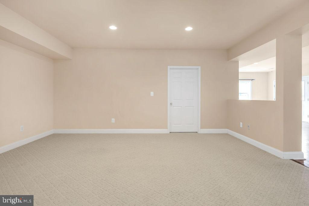 Another Finished Room In Basement - 39032 FRY FARM RD, LOVETTSVILLE