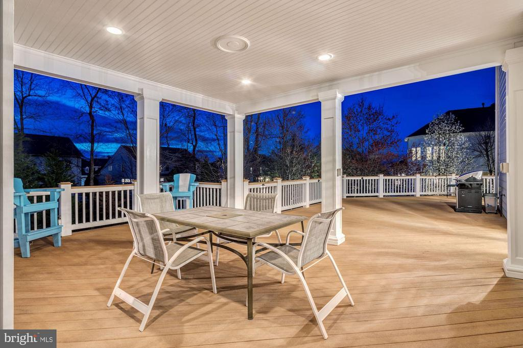 Covered Porch - 18777 UPPER MEADOW DR, LEESBURG