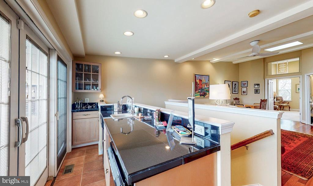3rd  fl wet bar-dishwasher, sink, fridge, disposal - 124 S PATTERSON PARK AVE, BALTIMORE