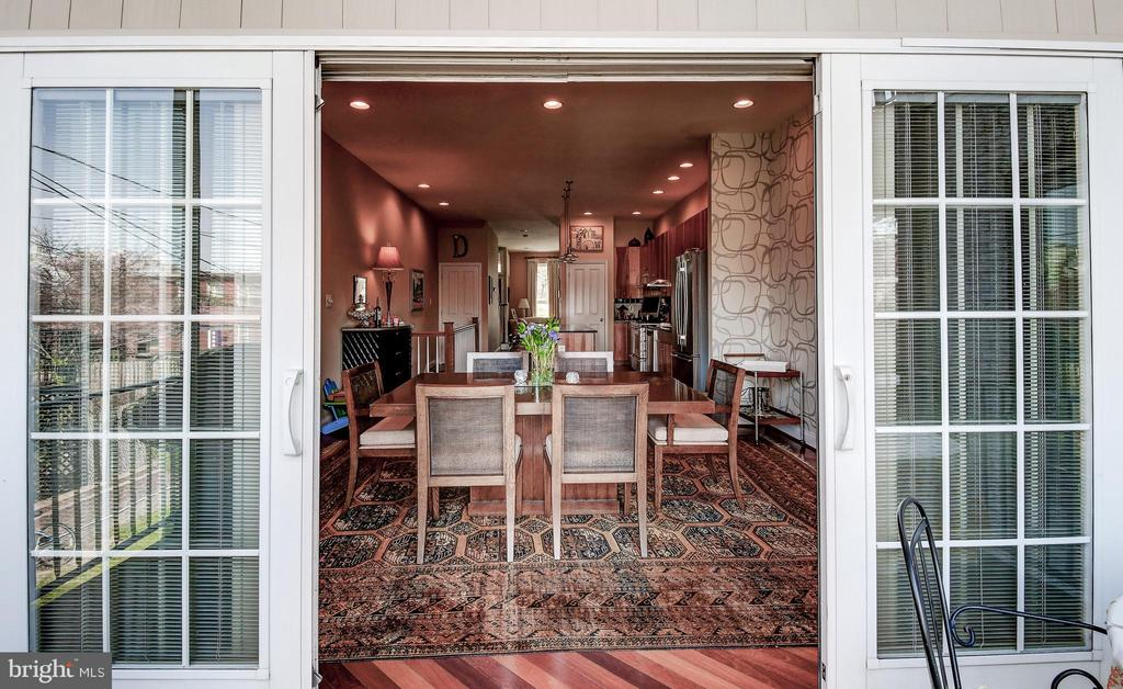 Dining room balcony indoor outdoor space - 124 S PATTERSON PARK AVE, BALTIMORE
