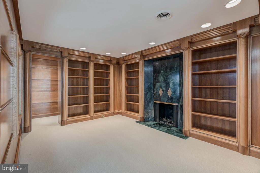 Library - 1371 KIRBY RD, MCLEAN