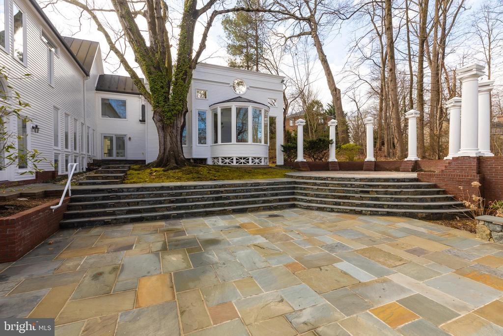 Patio - 1371 KIRBY RD, MCLEAN