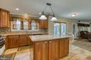 Stunning kitchen - granite counter tops - 102 NORTHAMPTON BLVD, STAFFORD