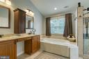Generous master bath with double vanity - 102 NORTHAMPTON BLVD, STAFFORD