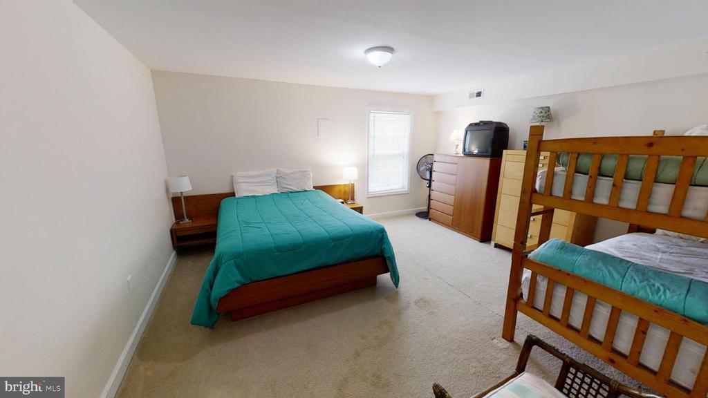Downstairs Bedroom - 24186 LANDS END DR, ORANGE