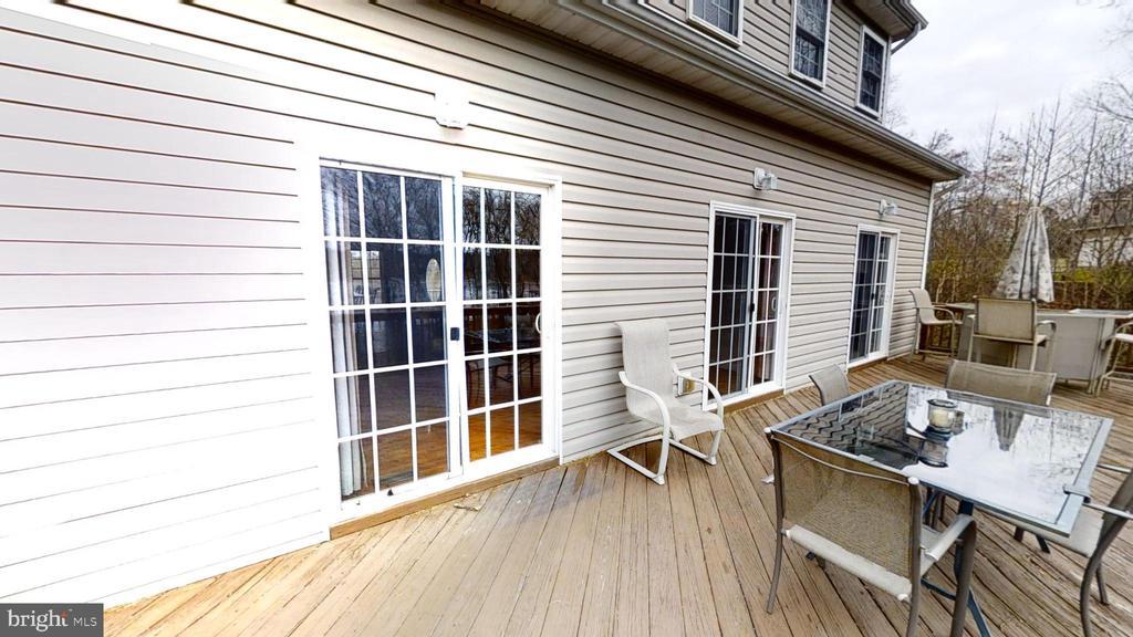 Deck has plenty of room for entertaining - 24186 LANDS END DR, ORANGE