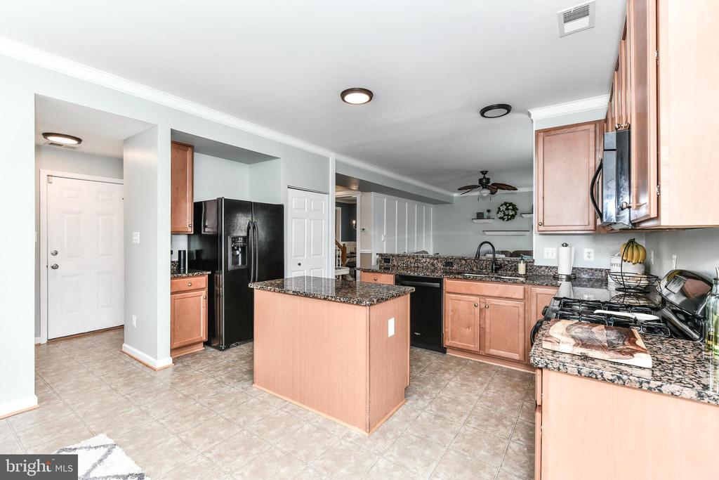 Stove with gas cooking! - 25974 KIMBERLY ROSE DR, CHANTILLY