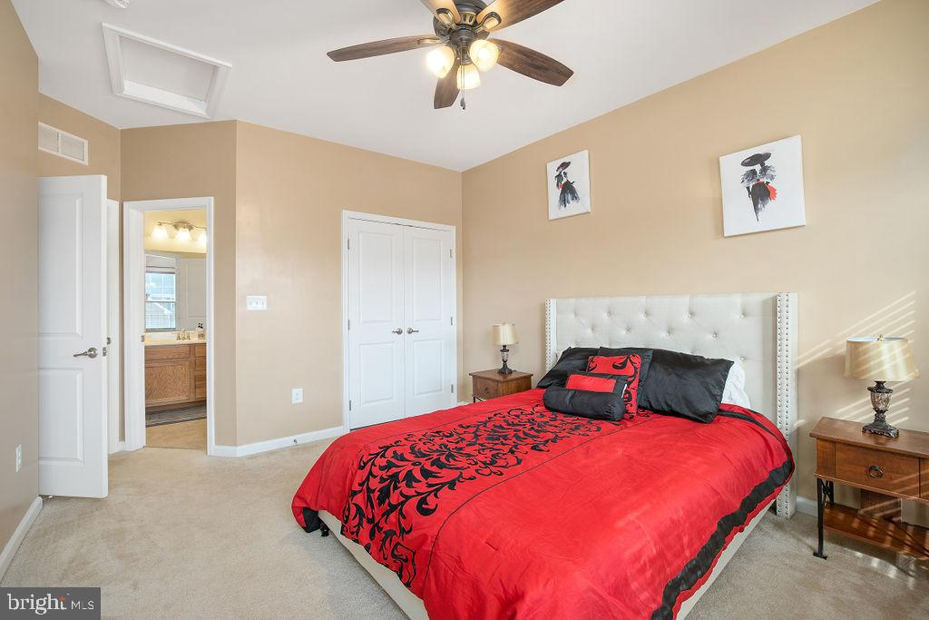 Private bath & bedroom - 31 LIBERTY KNOLLS DR, STAFFORD