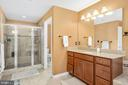 Oversized Shower - 31 LIBERTY KNOLLS DR, STAFFORD