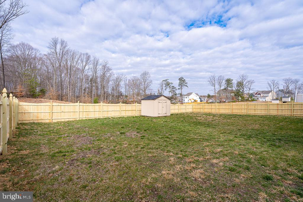 Fully Fenced level rear yard - 31 LIBERTY KNOLLS DR, STAFFORD