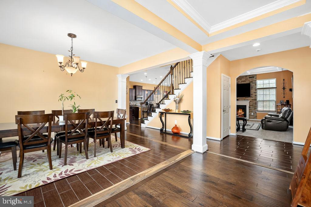 Open Concept flow for entertaining  ease - 31 LIBERTY KNOLLS DR, STAFFORD