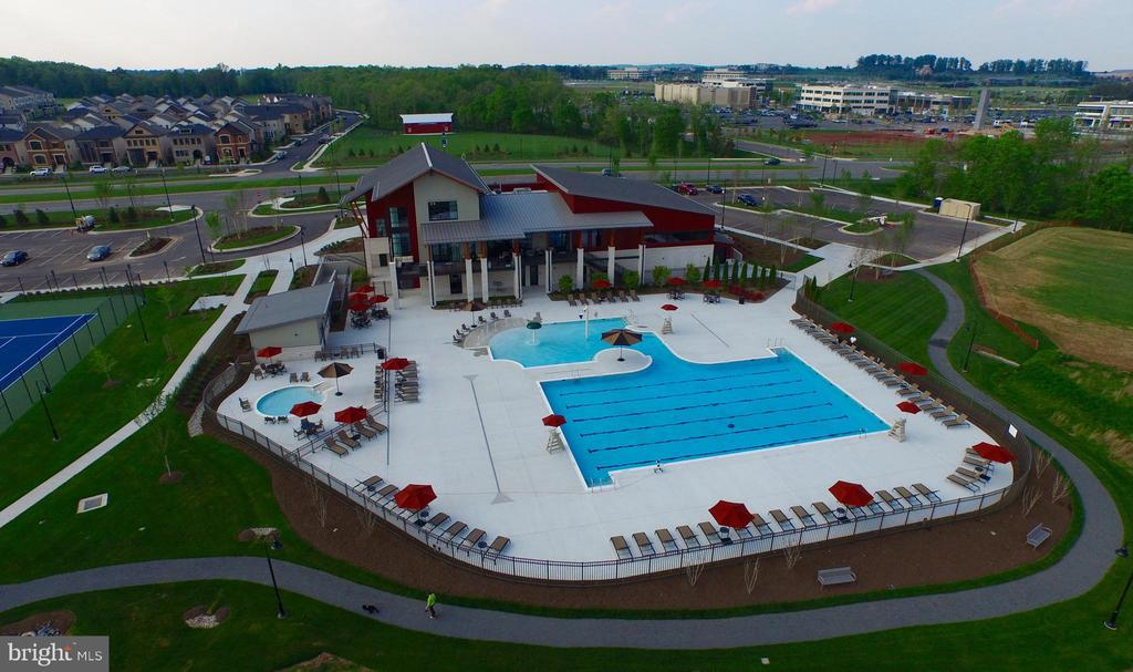 Community Pool and Recreation Center - 44715 PLYMPTON SQ, ASHBURN