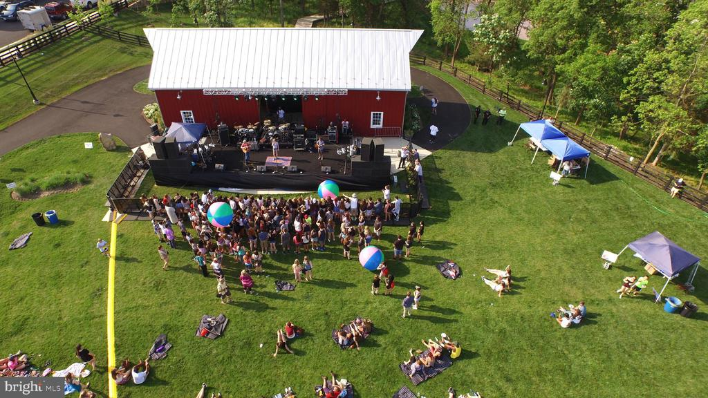 Community Events at The Barn - 44715 PLYMPTON SQ, ASHBURN