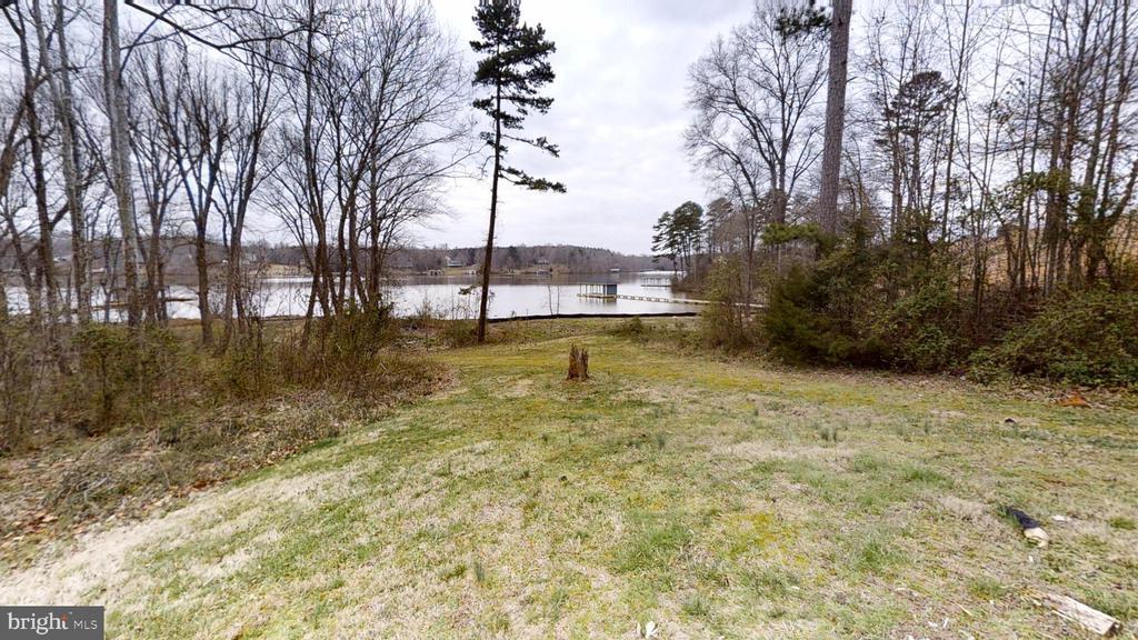 Easy walk to the Lake - 24186 LANDS END DR, ORANGE