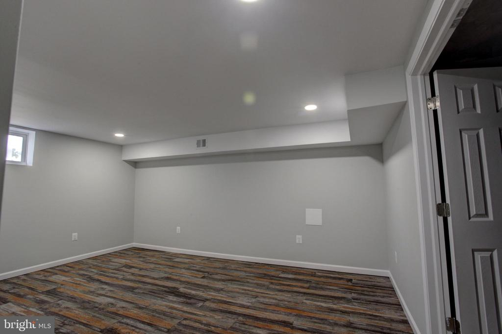 4th Level Media Room/Guest Suite or Home Office - 1430 AQUIA DR, STAFFORD