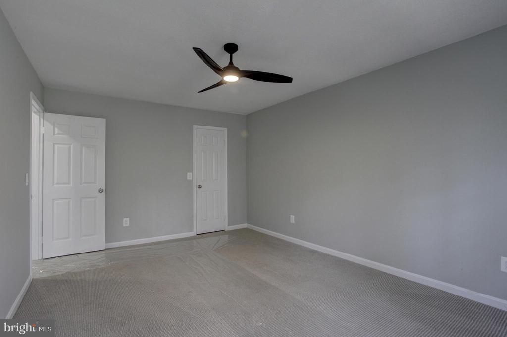 Large Closet and NEW Upgraded Carpets in Bedrooms - 1430 AQUIA DR, STAFFORD
