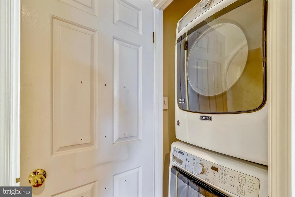 Convenient laundry on the bedroom level - 1112 N PITT ST, ALEXANDRIA