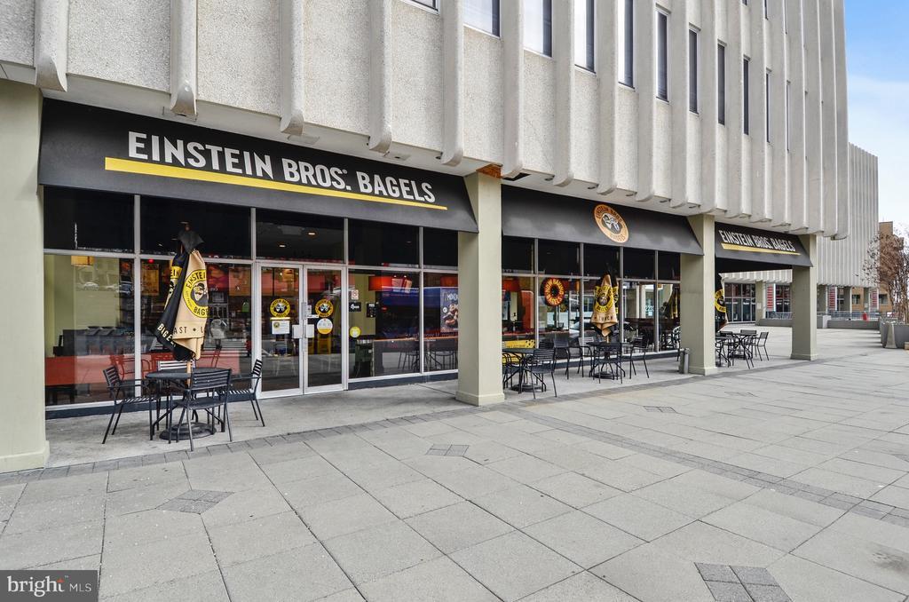 Einstein Bagels Nearby - 2111 WISCONSIN AVE NW #PH7, WASHINGTON