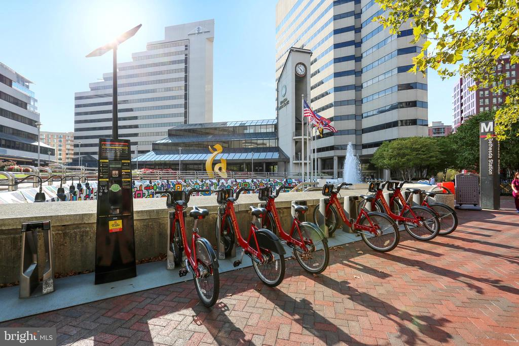 Downtown Bethesda Bike Share - 4808 MOORLAND LN #503, BETHESDA