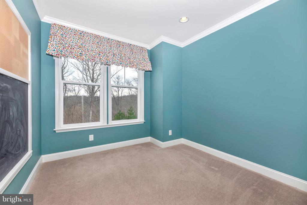 Main level office or playroom - 6961 COUNTRY CLUB TER, NEW MARKET