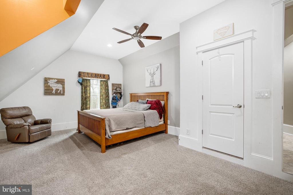 Upper Level Bedroom - 10403 TREATY CT, SPOTSYLVANIA