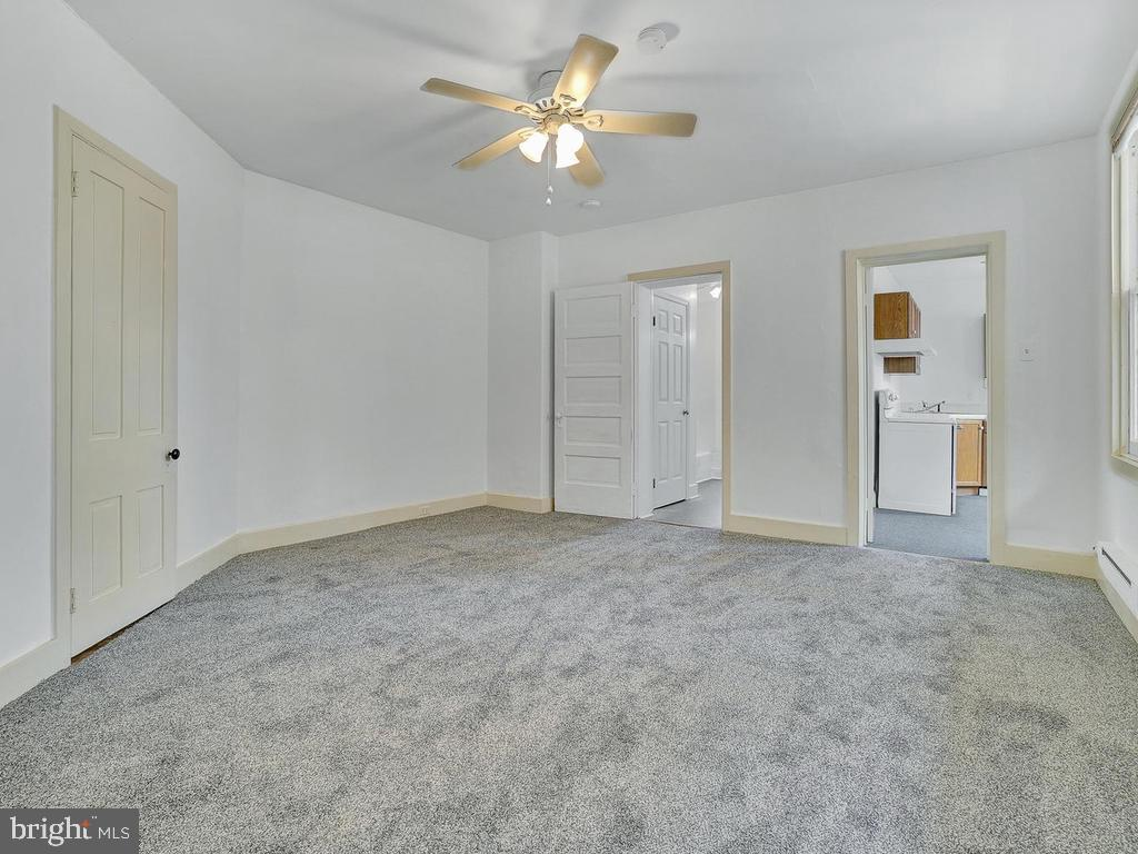 Studio offers living/bedrm space - 121 W 2ND ST, FREDERICK