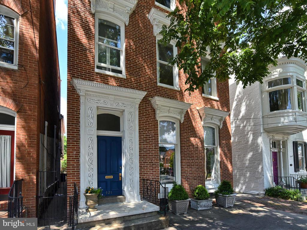 Over 4100 sq. feet of living space - 121 W 2ND ST, FREDERICK