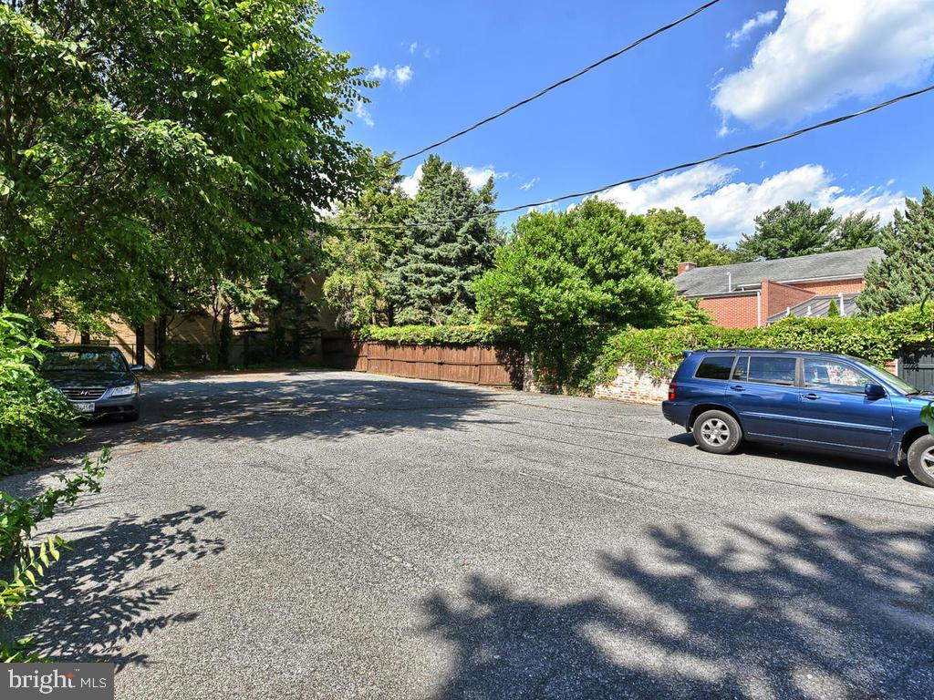 Deeded  parking lot conveys! - 121 W 2ND ST, FREDERICK