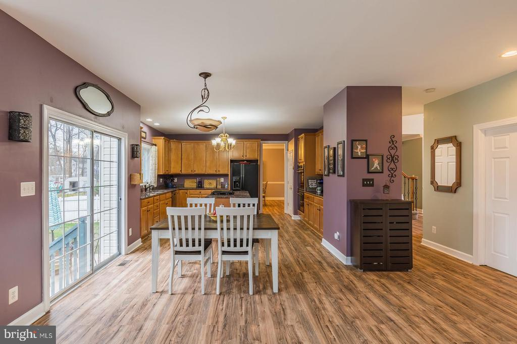You'll need walking shoes for this house! - 20226 BROAD RUN DR, STERLING