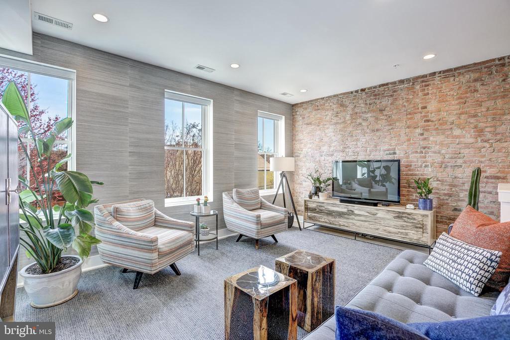 Sunny Living Room - 1710 10TH ST NW #2, WASHINGTON