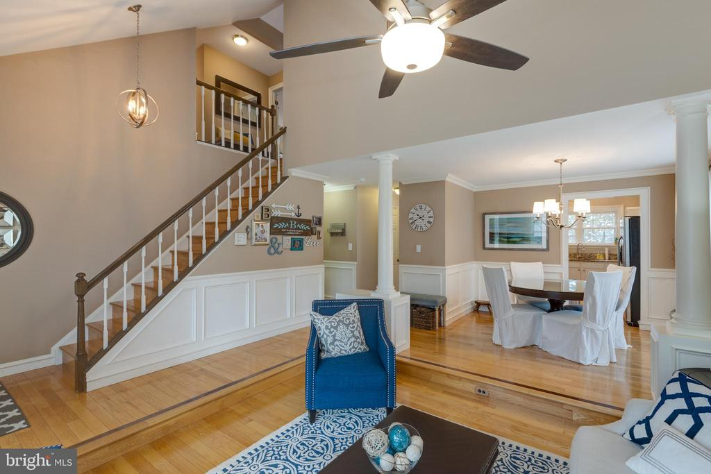 Vaulted ceilings gives a sense of flowing space - 8206 CHERRY RIDGE RD, FAIRFAX STATION
