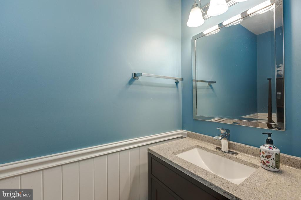 Updated half bath on main level - 8206 CHERRY RIDGE RD, FAIRFAX STATION