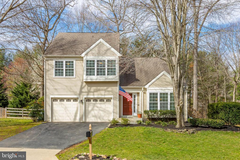 Spring is a new beginning....Begin HERE! - 8206 CHERRY RIDGE RD, FAIRFAX STATION