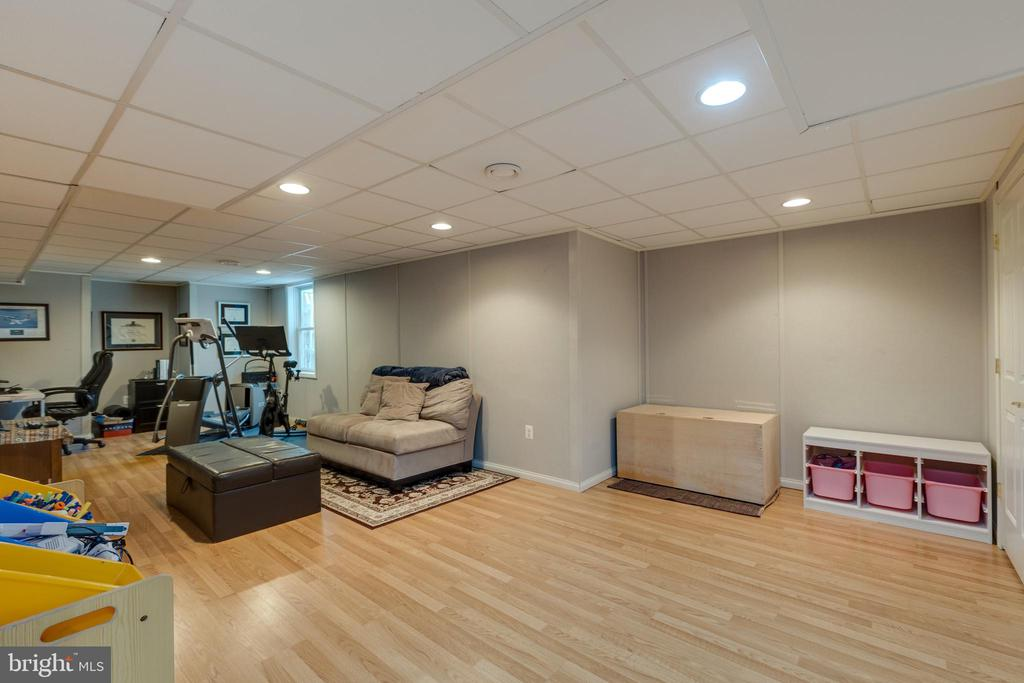 Rec room*Gotta love recessed lighting! - 8206 CHERRY RIDGE RD, FAIRFAX STATION
